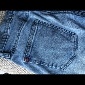 UO Womens's Girlfriend Jean